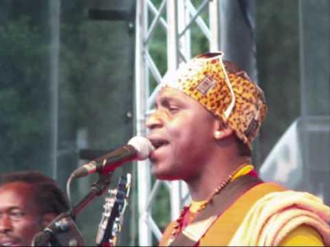 Afrika festival 2010 in Tübingen: The ngoma Africa - Sweet Mother