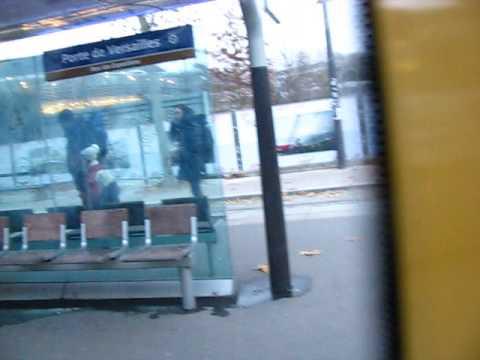 Tramway T2 Station Porte de Versailles à Paris