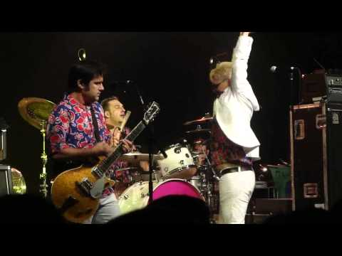 Me First and the Gimme Gimmes - Summertime (live) - Reading Festival, Lock Up Stage, 26 August 2012