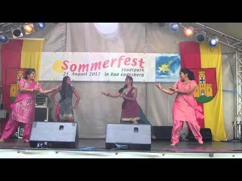 Desi Fusion dances Chanda Mere
