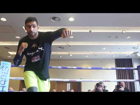 AMIR KHAN DISPLAYS HIS HAND SPEED@ PUBLIC MEDIA WORK OUT