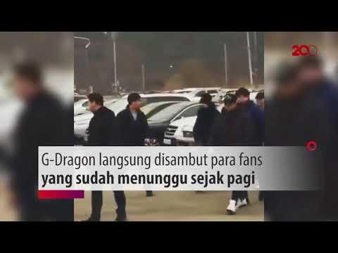 Gaya G-Dragon saat Tiba di Tempat Wajib Militer