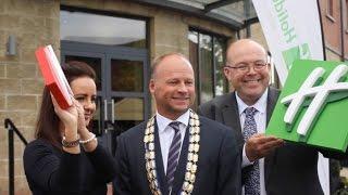Video Andras Hotels open Holiday Inn in Belfast City Centre download MP3, 3GP, MP4, WEBM, AVI, FLV Juni 2018