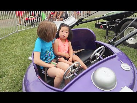 ROSIE'S FIRST CARNIVAL! thumbnail
