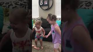 New video shannan watts (facebook profile) of her announcing the baby in her belly to her two girls.