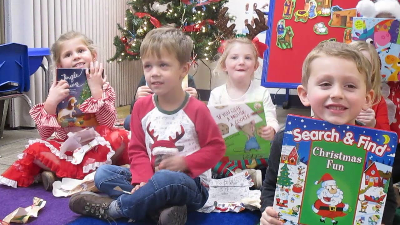 Christmas Book Exchange Olivias Pre K Christmas Party Youtube