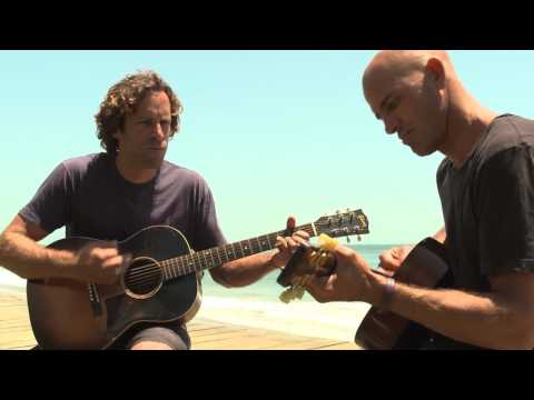 Baixar Jack Johnson and Kelly Slater Perform 'Home'