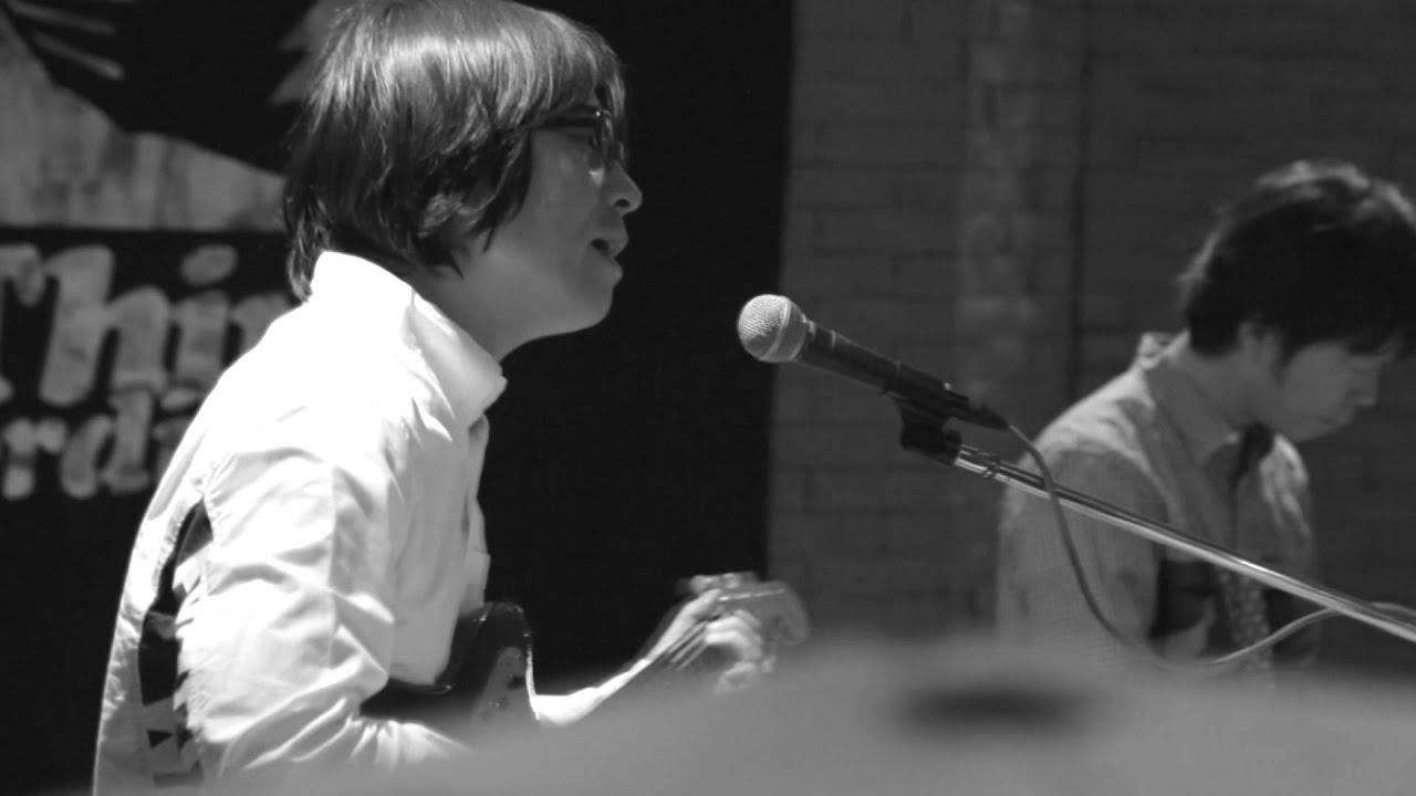 画像: 真心ブラザーズ「風になりたい」(10/7発売「PACK TO THE FUTURE」より) www.youtube.com