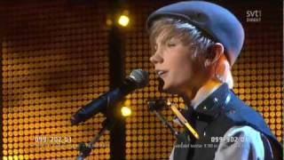 Watch Ulrik Munther Soldiers video