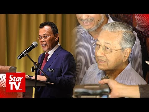 'Did he go? I don't know', says Dr M when asked about Johor MB's Batam trip