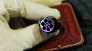 Tiny rare pistol for your finger