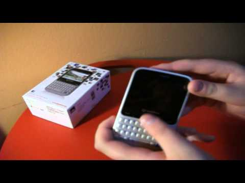 Unboxing + Review I Vodafone 555 blue