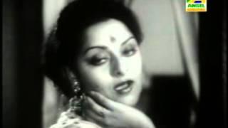Alo Aar Alo Diye I আলো আর আলো দিয়ে I Film: Swayamsiddha (1975) I Singer : Asha Bhosle