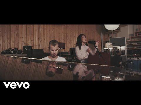 Wilkinson - Sweet Lies (Live From The Pool) ft. Karen Harding