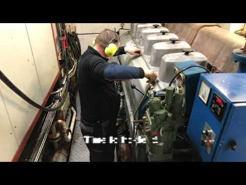 1470 HP Wärtsila main engine starting routine on fishingvess