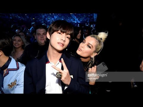 Here are All World Famous Artists Who Took Photos with BTS at the '2018 Billboard Music Awards'