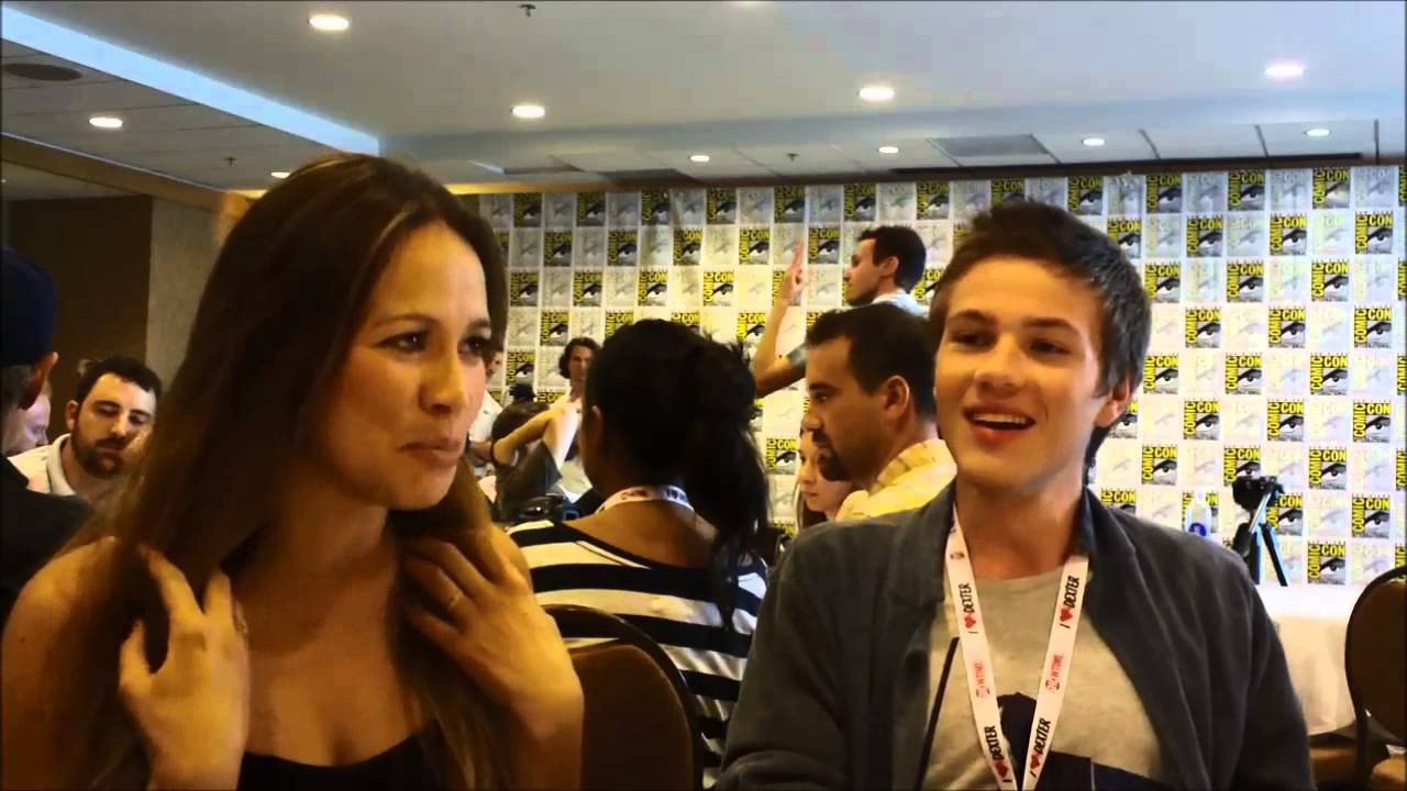 Download Falling Skies SDCC2013 Q&A with Moon Bloodgood & Connor Jessup
