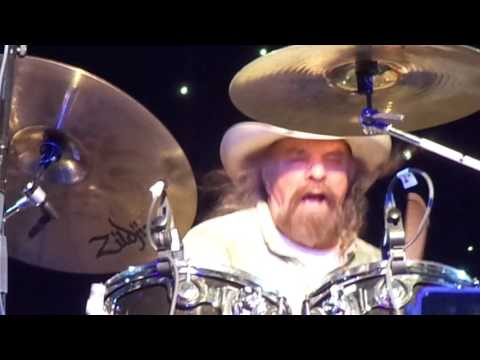 Artimus Pyle Band   Killer Drum Solo & Gimme 3 Steps