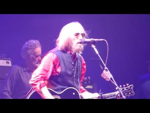 Tom Petty and the Heartbreakers - Crawling Back to You (Houston 04.29.17) HD