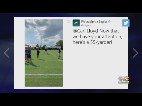 Carli Lloyd Hits 55-Yard Field Goal At Ravens, Eagles Joint Practice