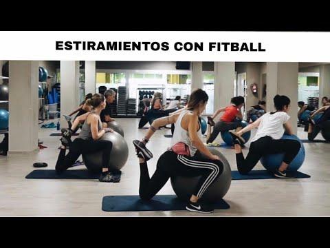 ESTIRAMIENTOS CON PELOTA DE FITBALL