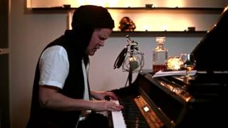 Alexander Asp - Cold winter love (piano version) [live]