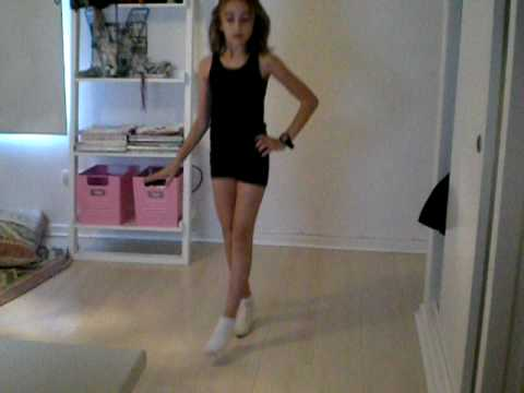 10 year old girl dancing single ladies  mrs lola   youtube