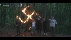 Versteckte Kamera: Polnische Neonazis feiern im Wald Hitlers Geburtstag