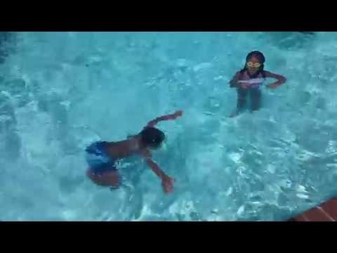 Kids Amazing swimming in pool- Underwater Swim Part 1 Texas