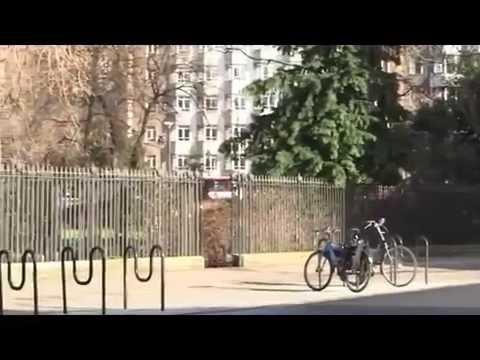Bourse de Paris se trouve en fait à ...  Londres - Extrait 2