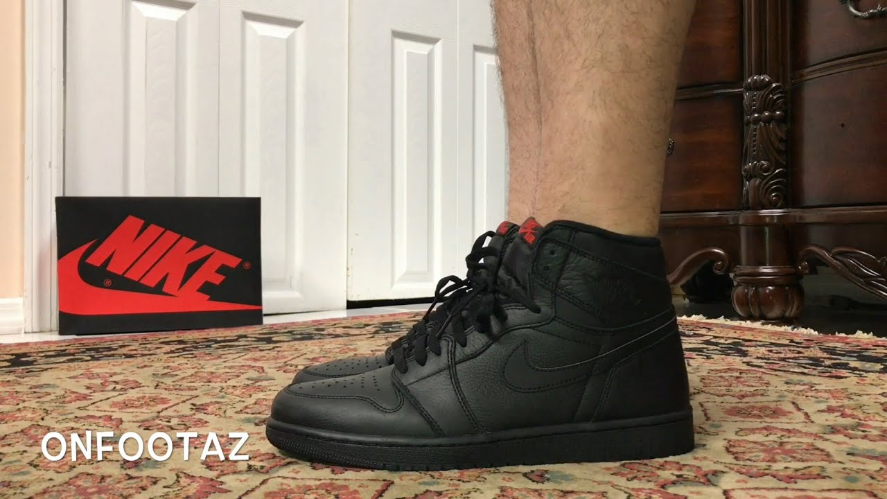 san francisco 07c3c 885e9 Air Jordan 1 Retro High OG Triple Black On Foot