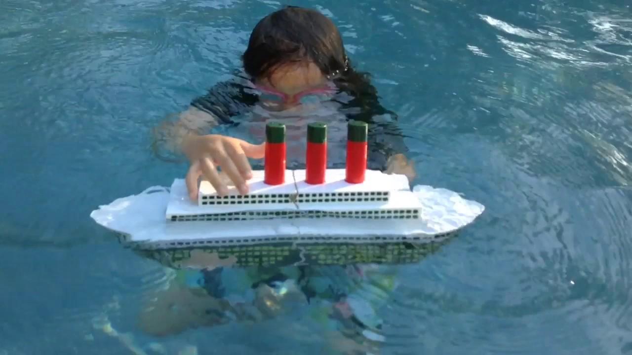 Toys R Us Titanic Model : Titanic sinking toy the movie youtube