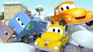 Снегоочиститель Сэм упал! - Эвакуатор Том в Автомобильный Город