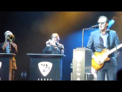"Joe Bonamassa ""Living On The Moon"" Carre Amsterdam 13.3.2015"