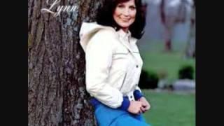 Loretta Lynn - Take your time in leavin'