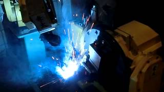 菱光産業のロボット溶接