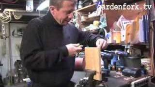 How To Build A Birdhouse & Plans Gardenfork.tv