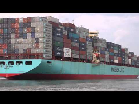 Skagen Maersk Container ship leaving Savannah GA 7/29/2012