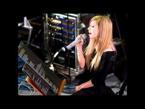 Avril Lavigne sings 'Tik Tok' by Ke$ha