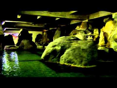 寺尾温泉の大岩風呂 - YouTube