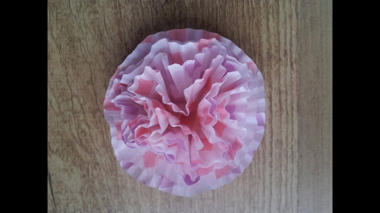C mo hacer flores de papel con moldes de cupcakes - Como hacer flores de papel ...