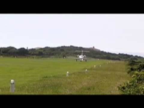 ZS-YES St Francis Grass Runway.mov
