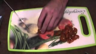 БИО Кухня Салат с индейкой авакадо и помидорами