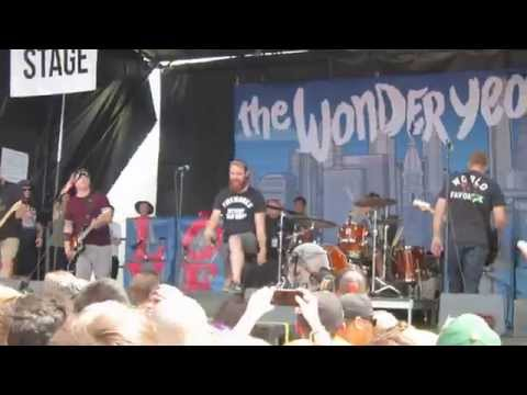 The Wonder Years - Passing Through a Screen Door - Live at Warped Tour,  Mountain View, CA. 06/2015