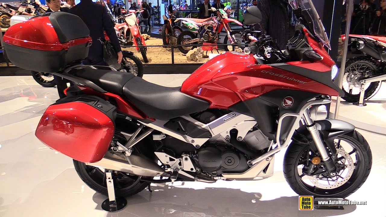 2017 honda crossrunner travel edition walkaround debut at 2016 eicma milan youtube. Black Bedroom Furniture Sets. Home Design Ideas