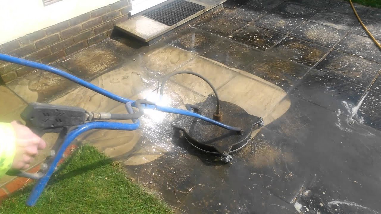 Pressure washer flat surface cleaner in action 275 bar for Concrete pressure washer