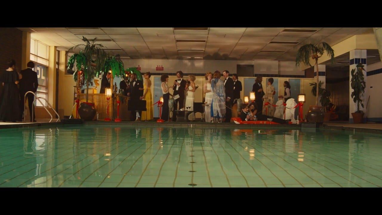 Vídeo de fiesta de piscina desnudo sin censura