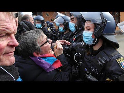 مظاهرات في عدة دول أوروبية احتجاجا على إجراءات الحجر الصحي