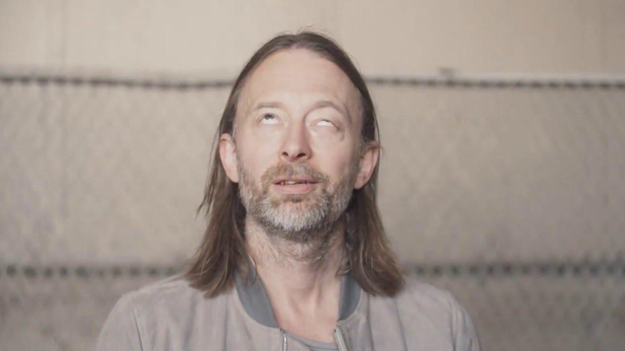 Radiohead - Daydreaming (Reverse video) - YouTube