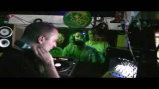 Rob Cain finchy bubbla silky Scratchin in strictly studio finchy bubbla silky.wmv